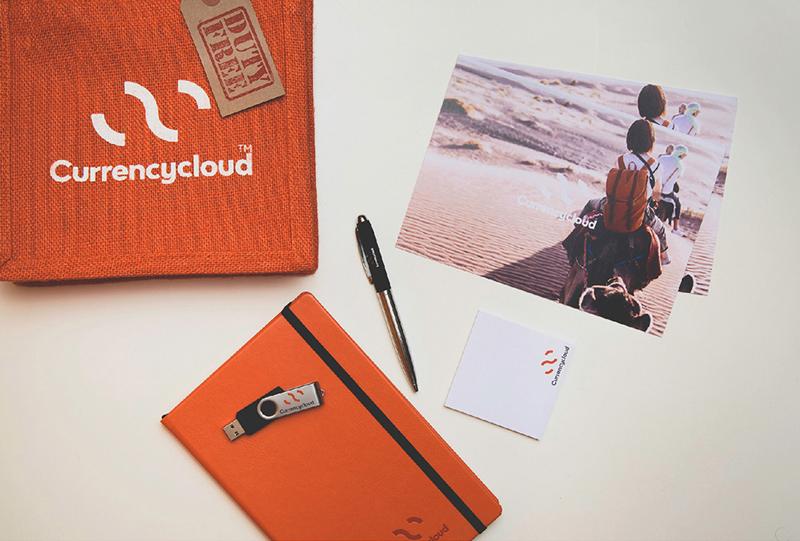 логотип на фирменных носителях, сумка, ручка, стикеры, флешка, блокнот